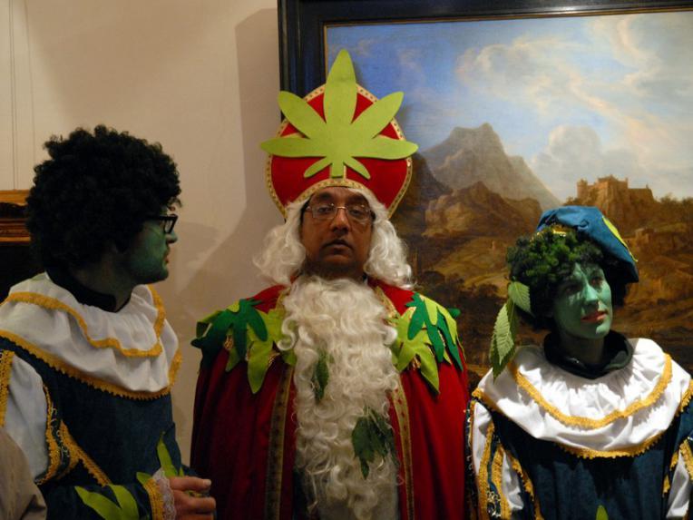 Green Sinterklaas and Piet