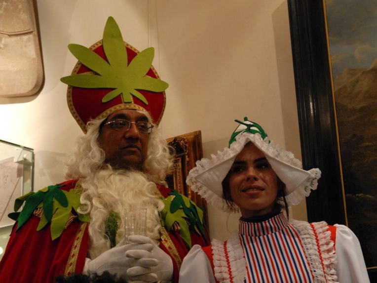 Green Sinterklaas and Shiva Spaarenberg