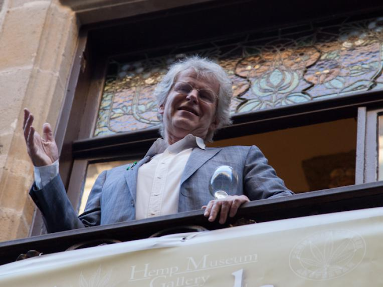 Frederik Polak standing on the balcony of the Palau Mornau