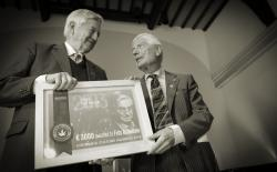 Frits Bolkenstein krijgt Cannabis Culture Award van Dries van Agt
