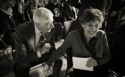 Dries van Agt praat met presentatrice Hanneke Groenteman