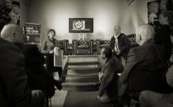 Hanneke Groenteman kondigt Spuiten en Slikken aan als winnaar van de Cannabis Culture Award 2013 in Amsterdam